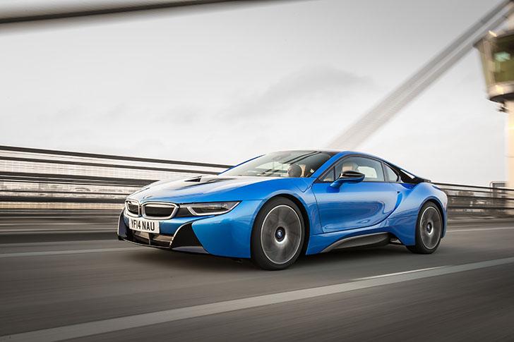 """BMW i8 a fost desemnat """"Masina Anului"""" de catre Top Gear"""