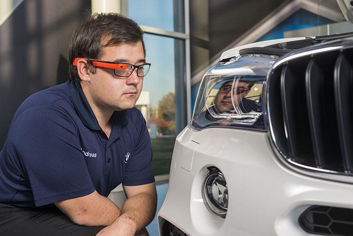 BMW folosește ochelarii inteligenți Google Glass