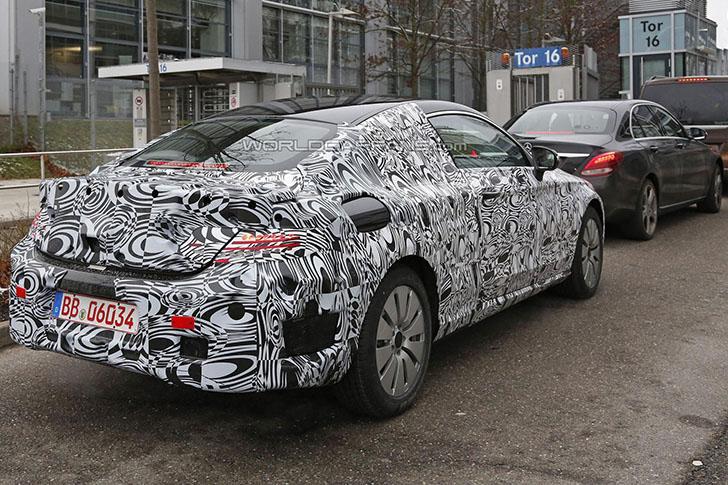 Mercedes-Benz Clasa C Coupe - spionat