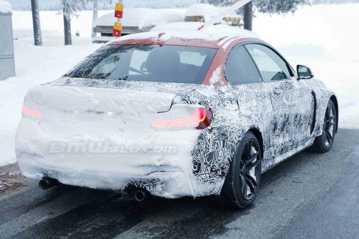 Surprins camufalt: noul BMW M2