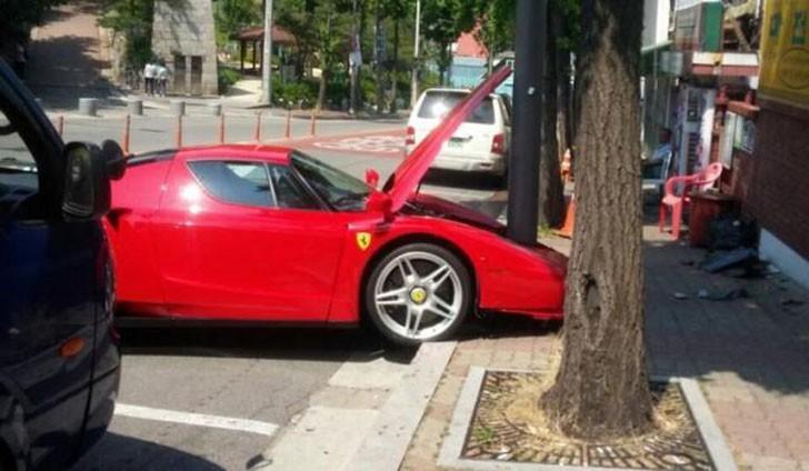 Ferrari Enzo (2)