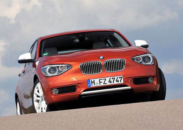 BMW-1-Series_Urban_Line_2012_800x600_wallpaper_04