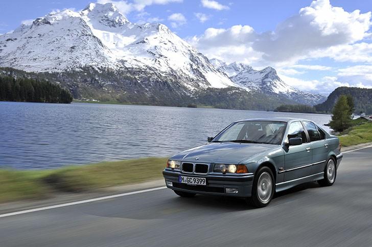 BMW 340i F30 vs BMW 323i E36 (12)