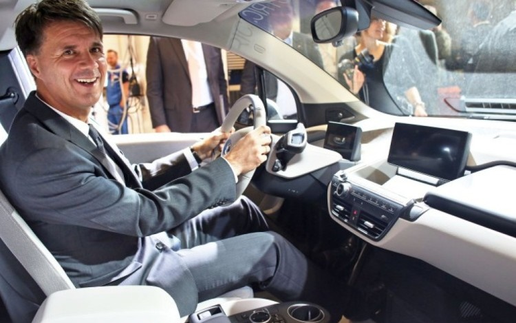 bmw apple interviu harald krueger