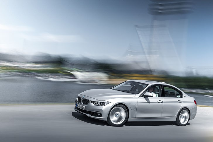 Noul BMW Seria 3 Plug-In Hybrid