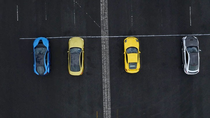 http://www.autocar.co.uk/car-video/porsche-cayman-gt4-vs-bmw-m4-vs-bmw-i8-vs-lexus-rc-f-drag-race