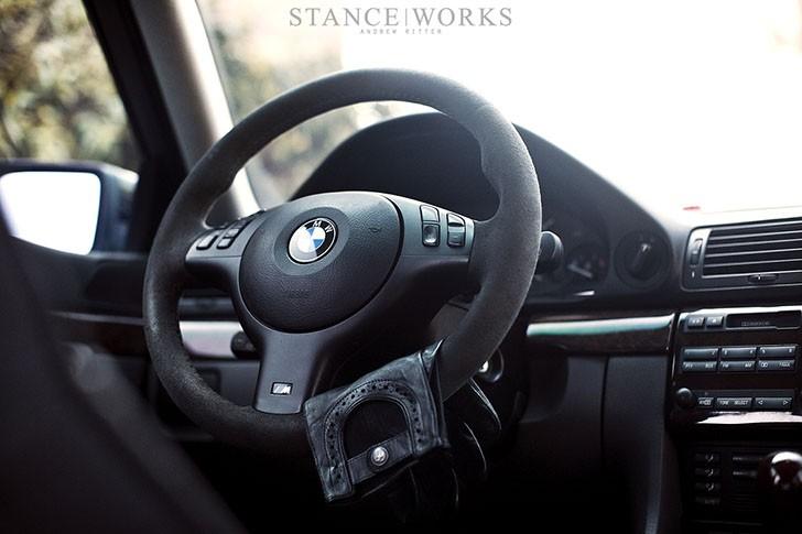 stanceworks-bmw-e38-sport-steering-wheel