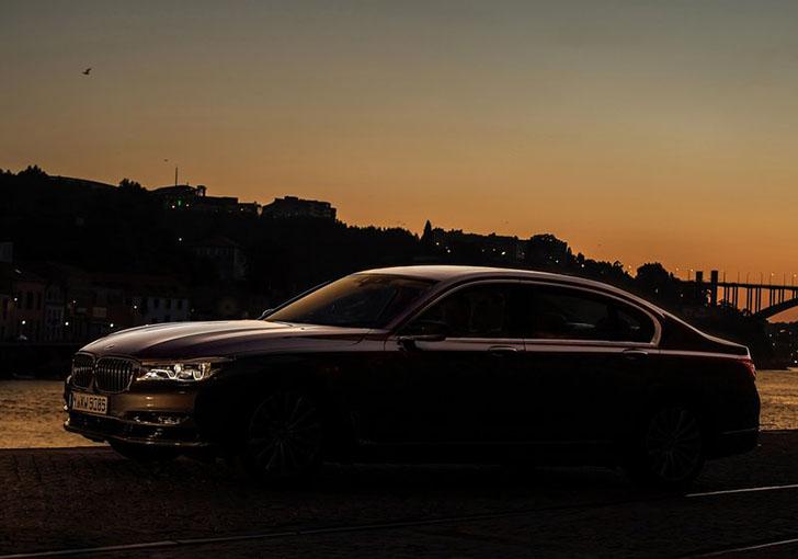 BMW-750Li_xDrive_2016_800x600_wallpaper_04