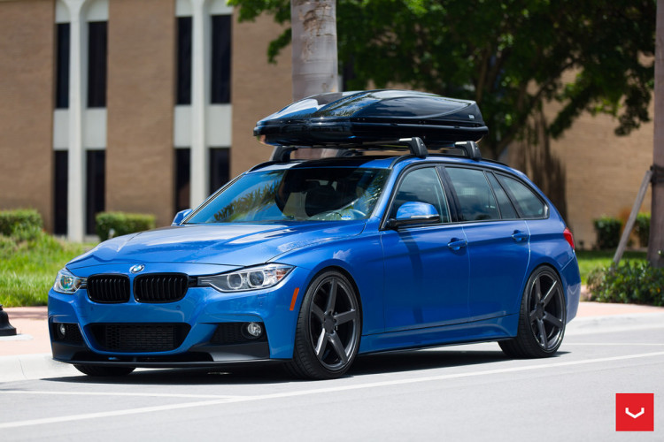 BMW Seria 3 Touring cu jante Vossen