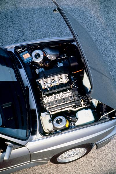 BMW M3 E30: Povestea unei legende mereu vie