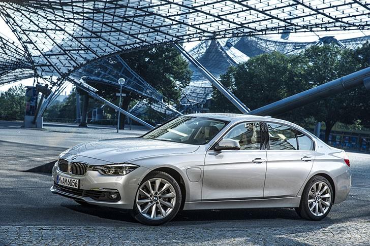 BMW Seria 3 Sedan 330e