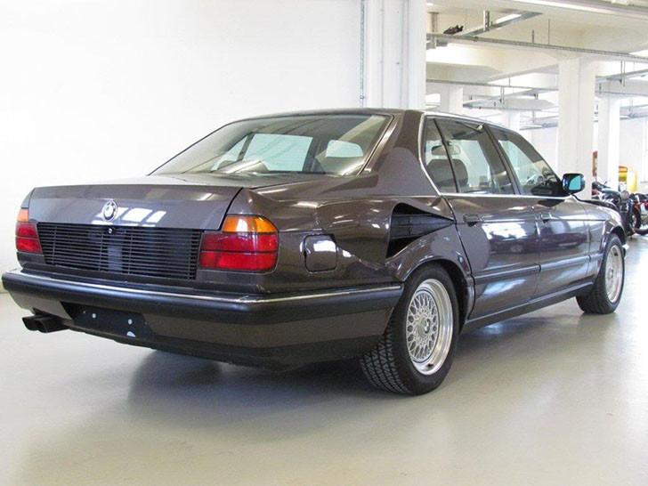 BMW E32 V12 Goldfish (2)