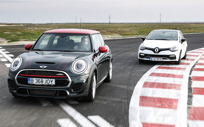 MINI John Cooper Works vs Renault Clio RS Trophy
