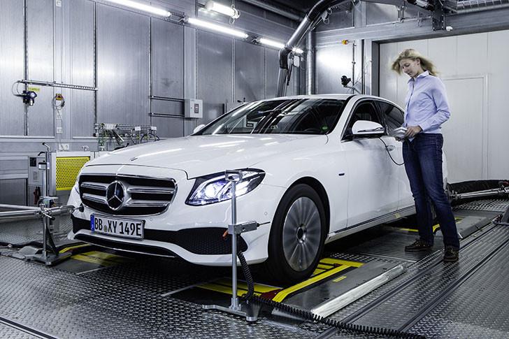 Mercedes-Benz renunță la motorizările V6 și trece la șase-n linie din 2017