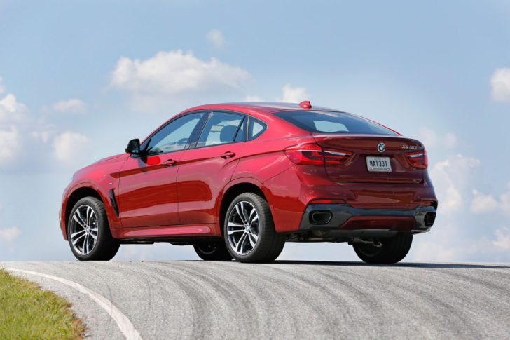 BMW X6 xDrive50i vs X6 M50d xDrive