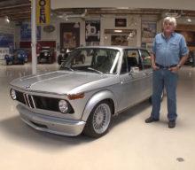 Jay Leno ne prezintă un BMW 2002 cu un motor de M3 E30