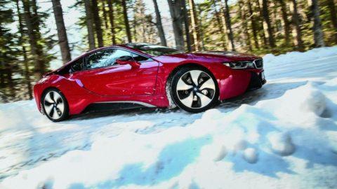 Test BMW i8 Protonic Red Edition: Roșie ca focul