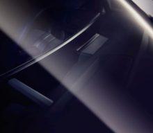 Display Curbat la BMW iNEXT – o premieră pentru interiorul unui automobil
