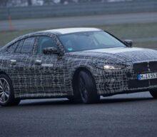 VIDEO: Cum îți plac sunetul și jocul de glezne ale modelului electric BMW i4?