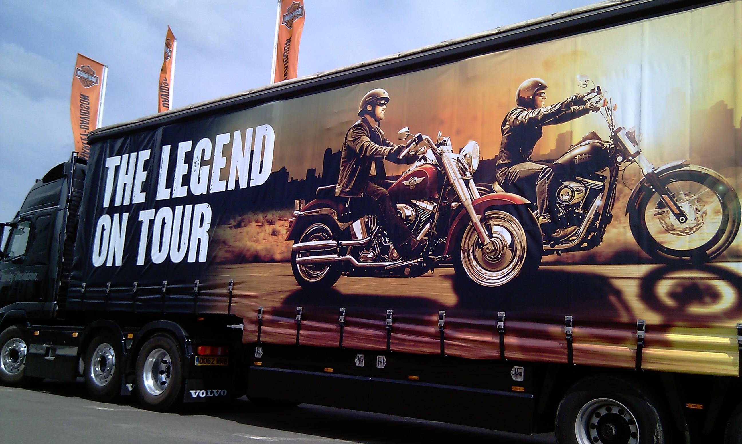 400 de motociclisti au testat modelele Harley-Davidson weekendul trecut