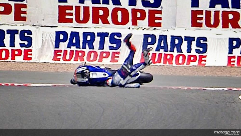 Lorenzo cade la Sachsenring chiar pe umarul accidentat acum doua saptamani