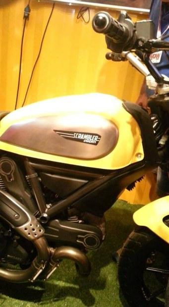 Poze spion cu Ducati Scrambler