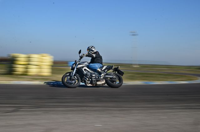 Test Yamaha MT-09: Teoria (r)evolutiei