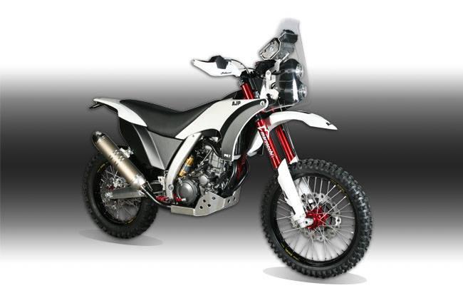 AJP PR7 - o motocicleta adventure in adevaratul sens al cuvantului