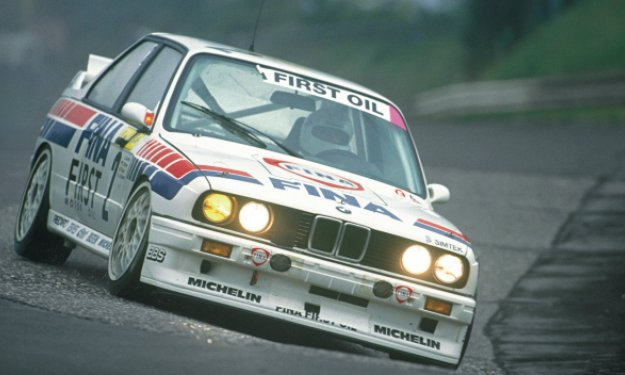 The-BMW-M3-Evolution-of-Johnny-Cecotto-way-to-victory-in-the-Nürburgring-24h.