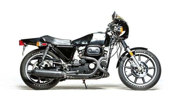 29-1977-harley-davidson-xlcr-1000