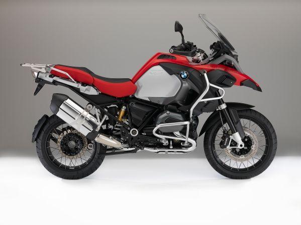 Motocicletele BMW mai accesibile decât oricând, prin finanțarea 3asy Ride