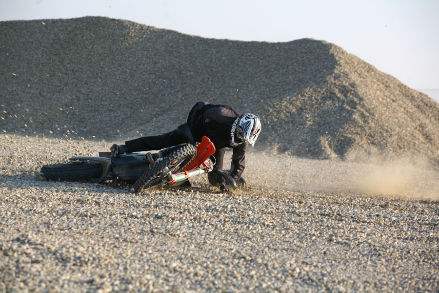 Editorial Rider Academy: Am căzut, ce rămâne de făcut?