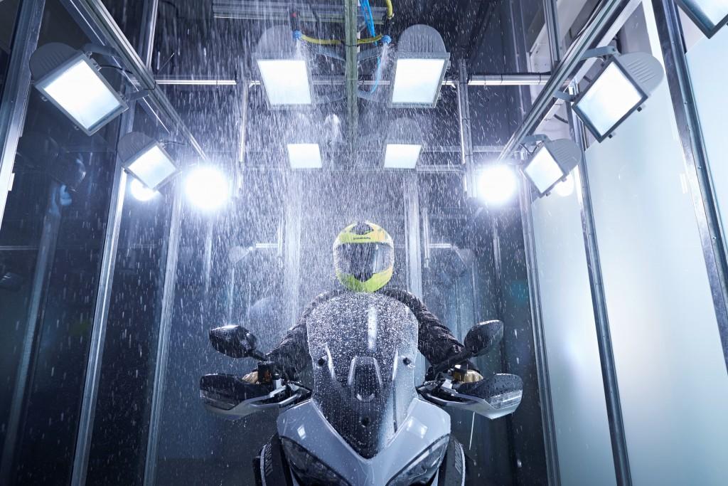 Schuberth deschide un laborator de aerodinamică și acustică