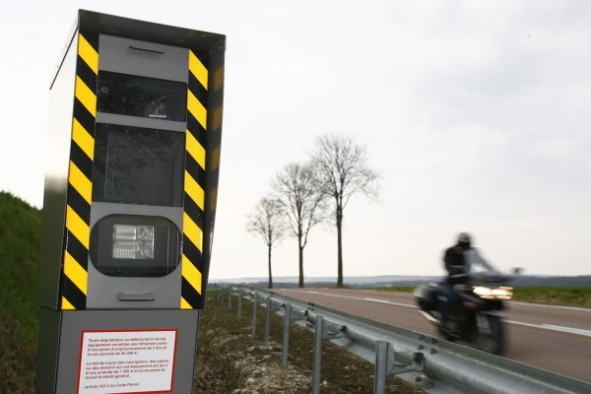 Un motociclist francez a fost luat de același radar de 41 de ori