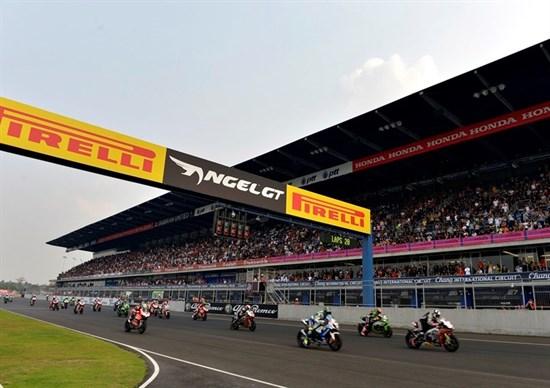 Superbike: Ducati pregătește un model cu patru cilindri și BMW are în plan un S 1000 RR mai performant