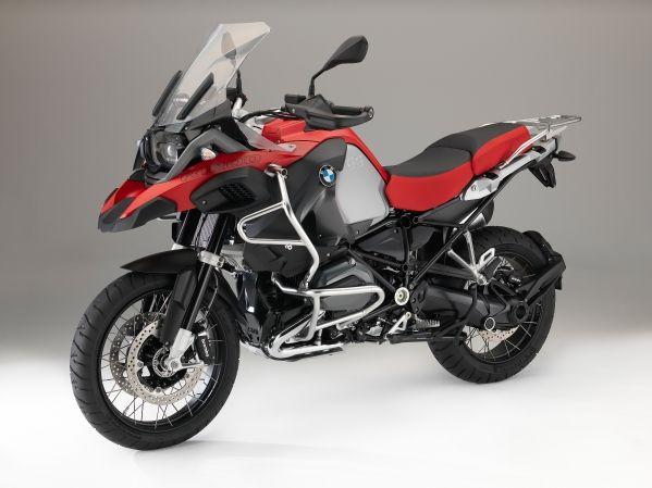 Un nou record de vânzări pentru BMW Motorrad: peste 112.000 de unități vândute în nouă luni.