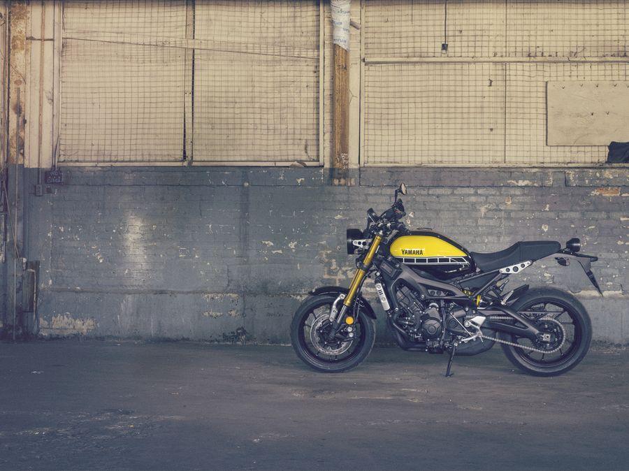 EICMA 2015: Yamaha XSR900, un retro flat-tracker pe platforma de MT-09