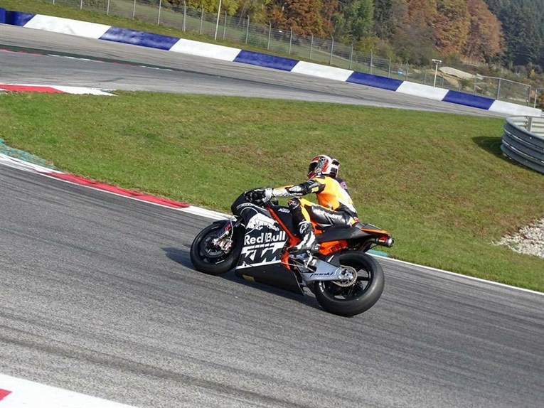 ktm-rc16-red-bull-ring-02