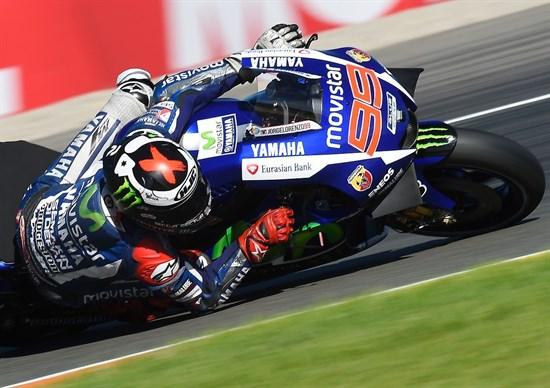 Lorenzo câștigă la Valencia și devine campion mondial
