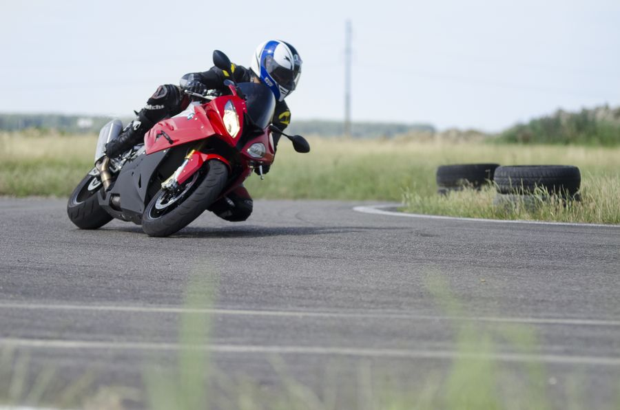 Test BMW S 1000 RR: Torpila inteligentă
