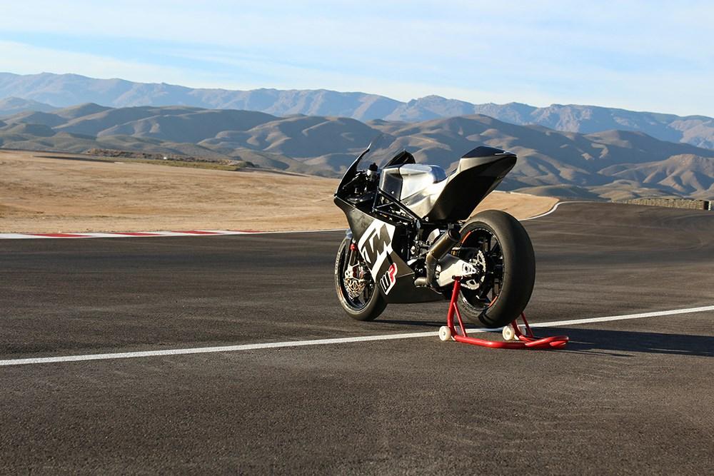 KTM face o motocicletă de Moto2