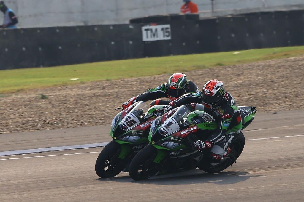 Ciocnire de orgolii în boxa Kawasaki Racing Team: Sykes victorios, Rea nemulțumit
