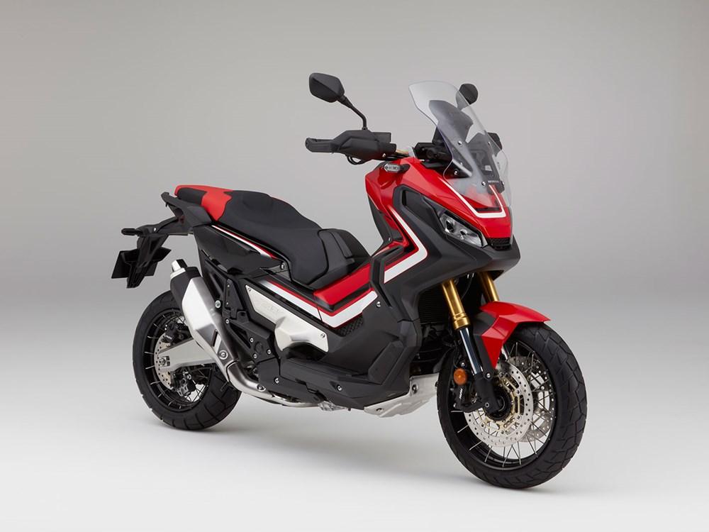 Honda prezintă noul scuter adventure X-ADV
