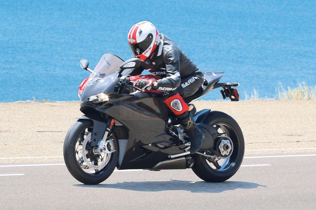 Ducati pregătește un Superleggera extrem