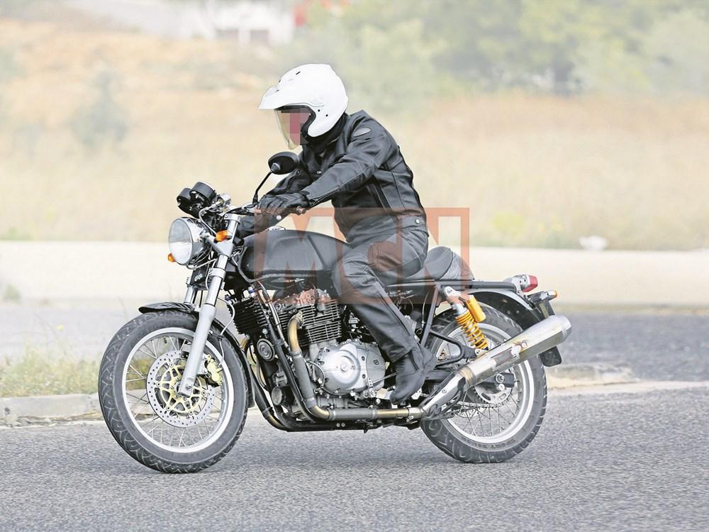 """Noul bicilindru de 750 cmc de la Royal Enfield, declarat """"iminent"""" de presa moto!"""