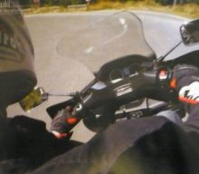 Cum am căzut cu aceeaşi motocicletă de două ori, ca pilot, dar şi ca pasager în aceeaşi săptămână!