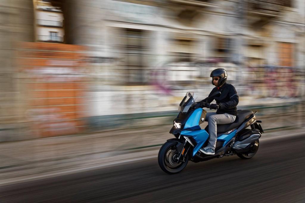 BMW Motorrad atacă segmentul scuterelor de cilindree medie cu C 400 X