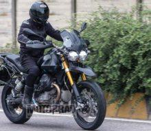 Viitorul Moto Guzzi V85 a fost surprins în teste de jurnaliștii de la Motorrad