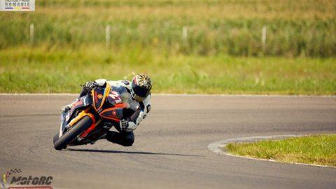 Cătălin Cazacu câștigă a treia etapă de MotoRC la Stock 1000, în prima cursă pentru Racing Academy