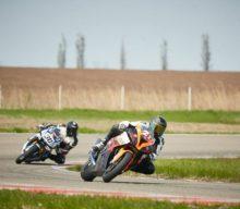 [VIDEO] Cazacu victorios în prima etapă MotoRC televizată, la Adâncata